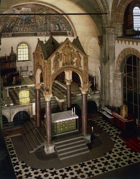 Baldaquí de Sant Ambròs de Milà (segles IX-X)