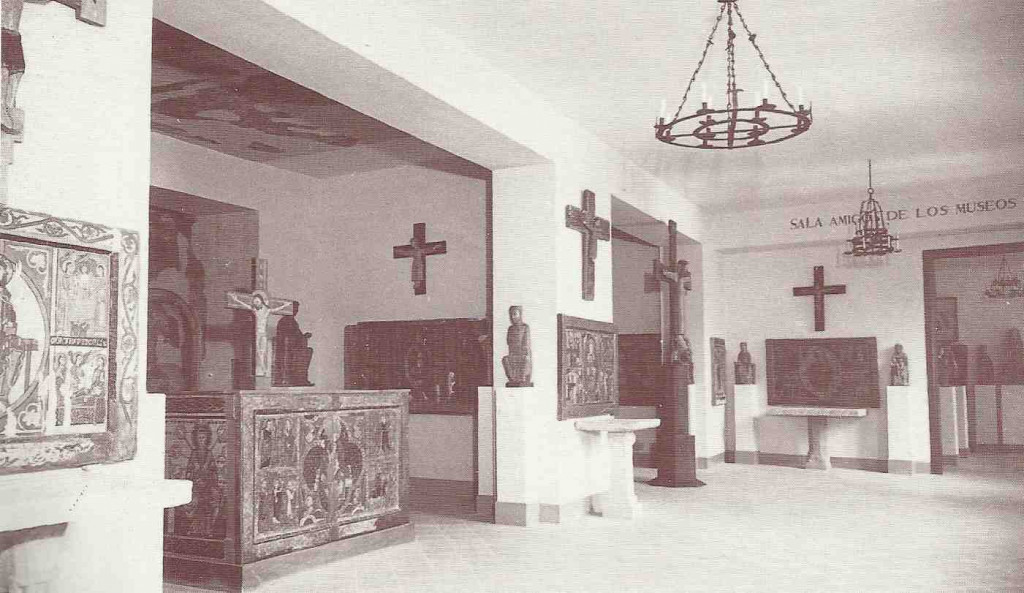 Sales d'art romànic a l'antic Museu Episcopal instal·lat pel Dr. Junyent.