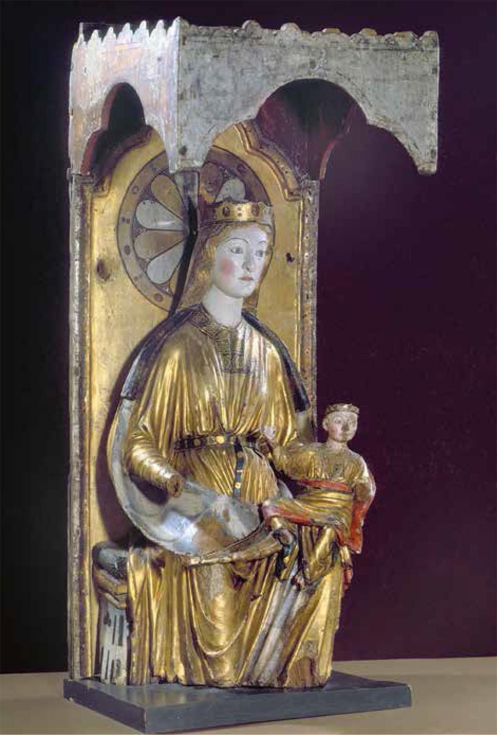 La marededeu de Hove (fiord de Sogn, Noruega), avui al Museu de la Universitat de Bergen, comparteix amb la de Dal la relació amb tallers anglesos de la primera meitat del segle XIII